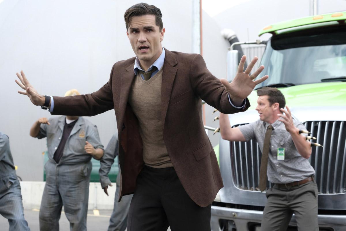 "Супергерл ""Man of Steel"" - 3 серия 4 сезона"