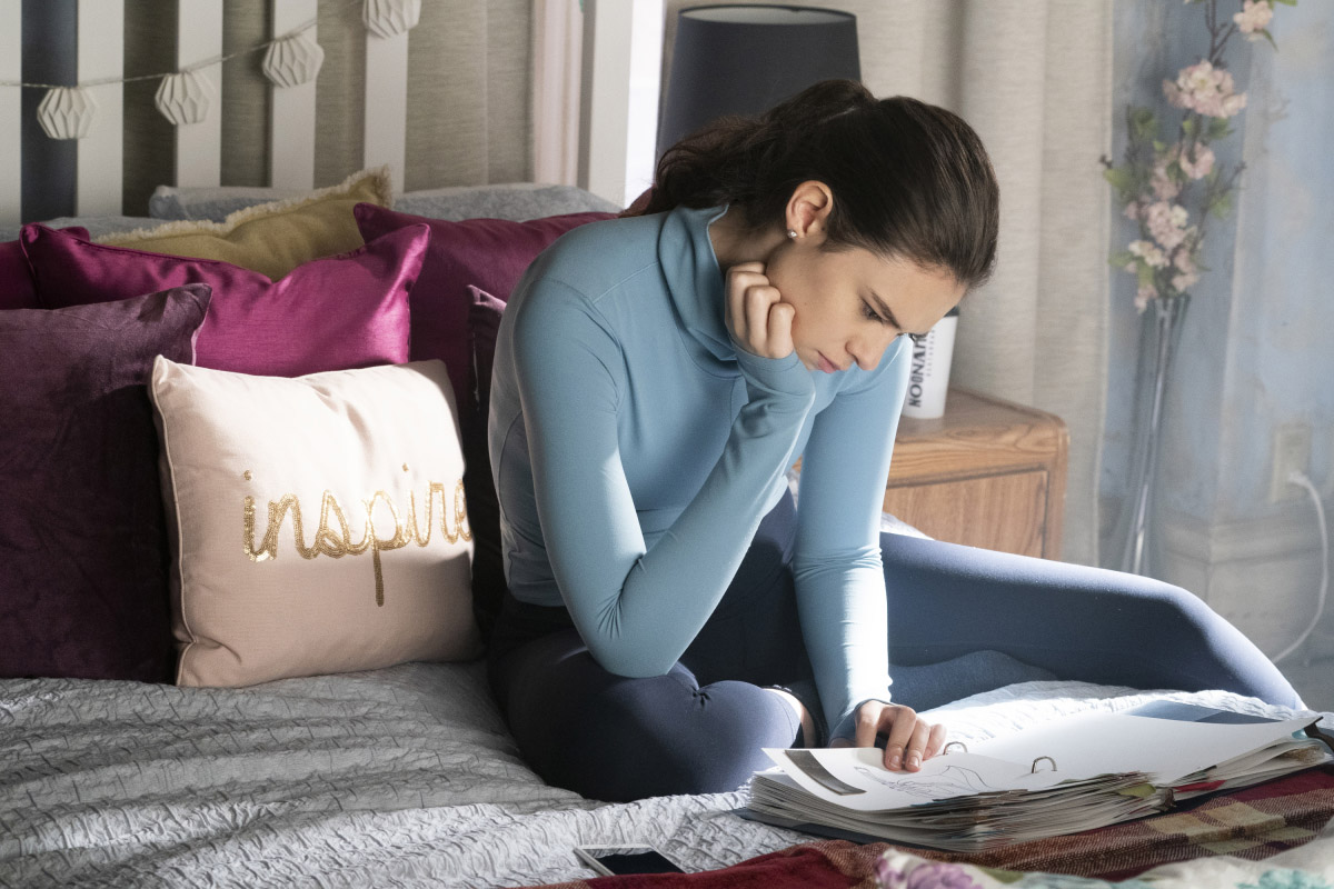 """Супергерл """"Suspicious Minds"""" - 10 серия 4 сезона"""