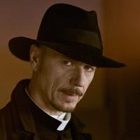 Бен Дэниелс в сериале Изгоняющий Дьявола - официальное фото