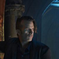 Томас Джейн в сериале Пространство - официальное фото