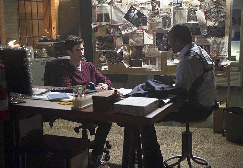 "Флэш ""The Man in the Yellow Suit"" - 9 серия 1 сезона"