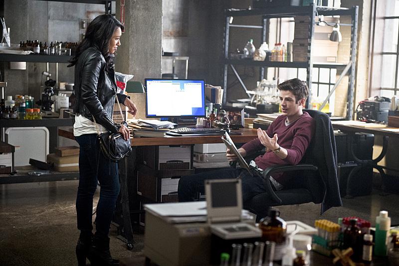 "Флэш ""The Reverse-Flash Returns"" - 11 серия 2 сезона"