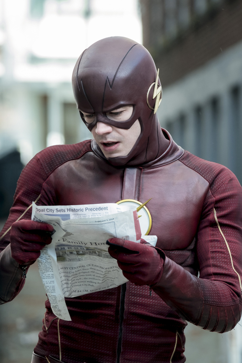 "Флэш ""The Once and Future Flash"" - 19 серия 3 сезона"
