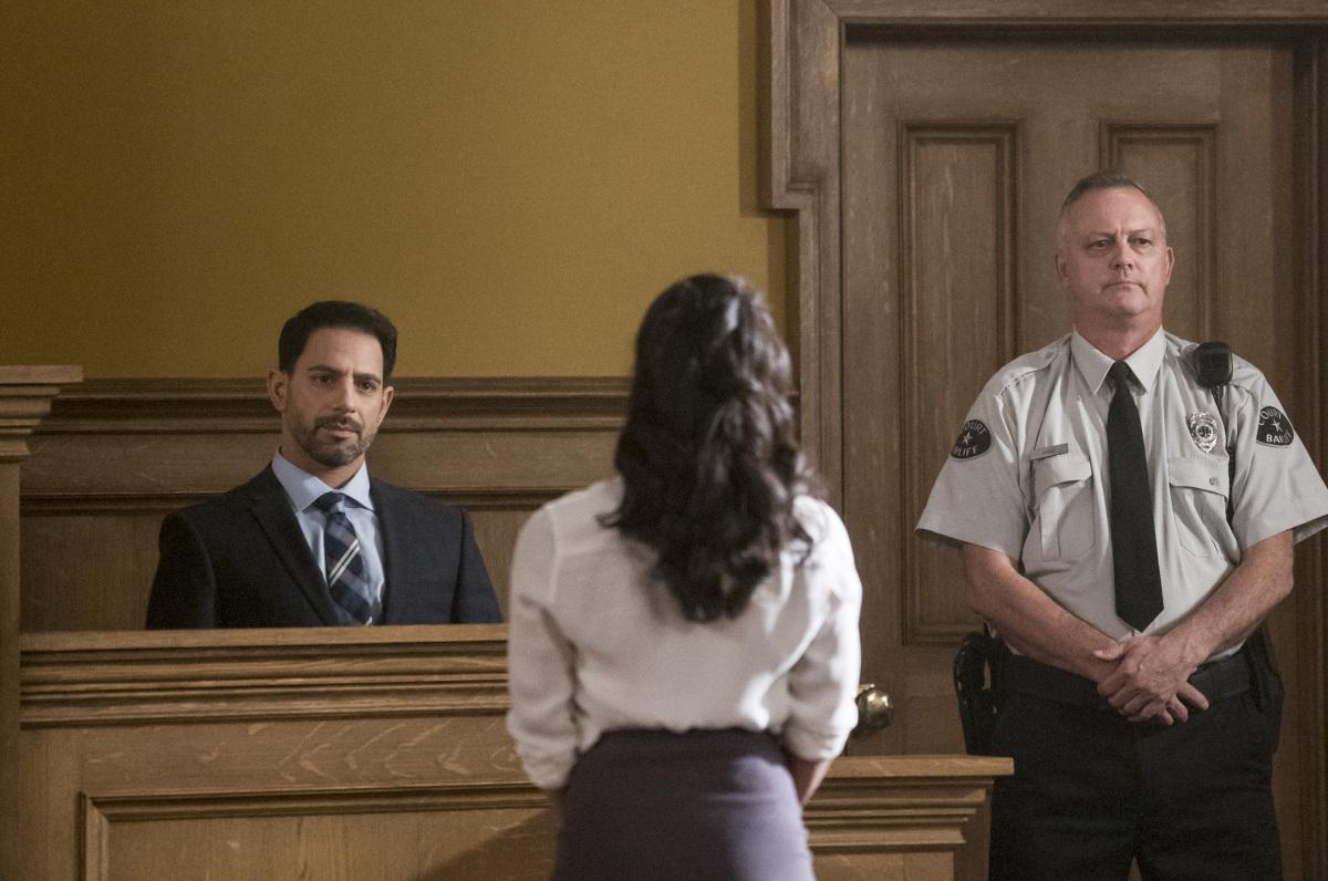 "Флэш ""The Trial of The Flash"" - 10 серия 4 сезона"