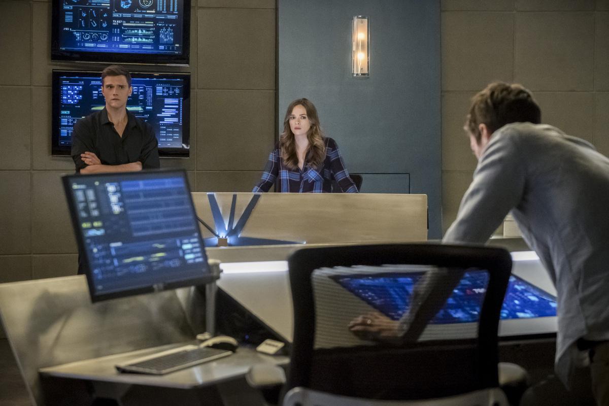 "Флэш ""Run, Iris, Run"" - 16 серия 4 сезона"