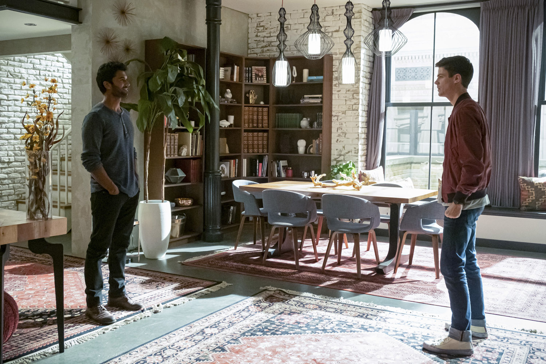 "Флэш ""The Last Temptation of Barry Allen, Pt. 1"" - 7 серия 6 сезона"