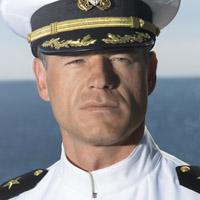 Эрик Дэйн в сериале Последний Корабль - официальное фото