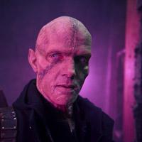 Руперт Пенри-Джонс в сериале Штамм - официальное фото