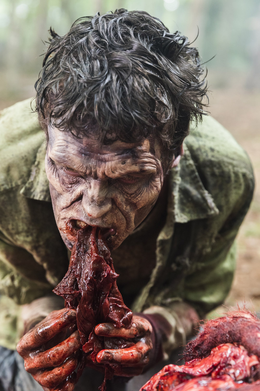 "Ходячие Мертвецы ""The King, the Widow, and Rick"" - 6 серия 8 сезона"