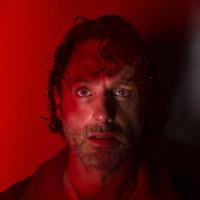 Эндрю Линкольн в сериале Ходячие Мертвецы - официальное фото