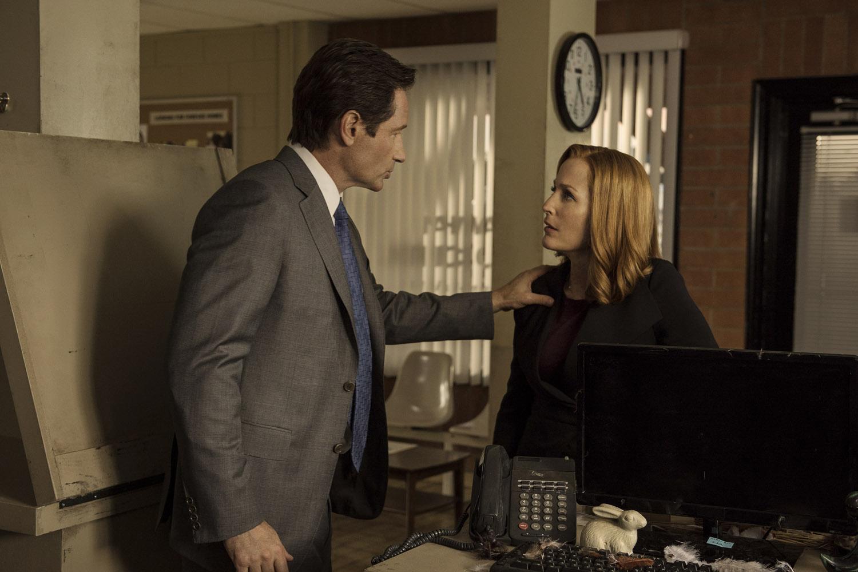 "Секретные Материалы ""Mulder & Scully Meet the Were-monster"" - 3 серия 10 сезона"