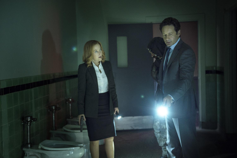 смотреть онлайн секретные материалы 4 серия 10 сезон