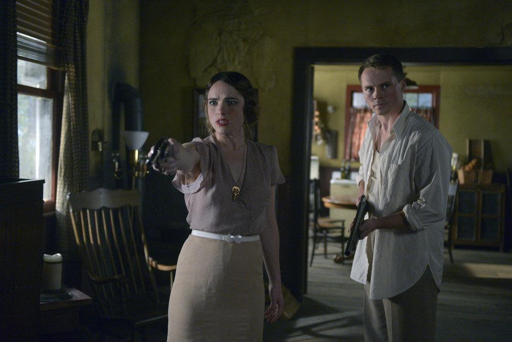 "Вне Времени ""Last Ride of Bonnie & Clyde"" - 9 серия 1 сезона"