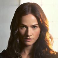 Келли Овертон в сериале Ван Хельсинг - официальное фото