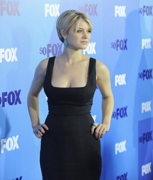 Fox Upfront 2011: Сара Джонс